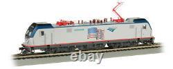 HO-Gauge Bachmann Amtrak ACS-64 Electric Locomotive #600 Flag Demo