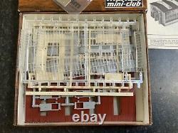 Marklin spur z scale/gauge Engine Shed Kit. Electric Doors