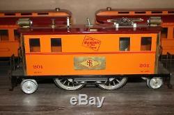 Vtg Standard Gauge Tin Chicago Milwaukee St Paul RR Electric Locomotive & 4 Cars